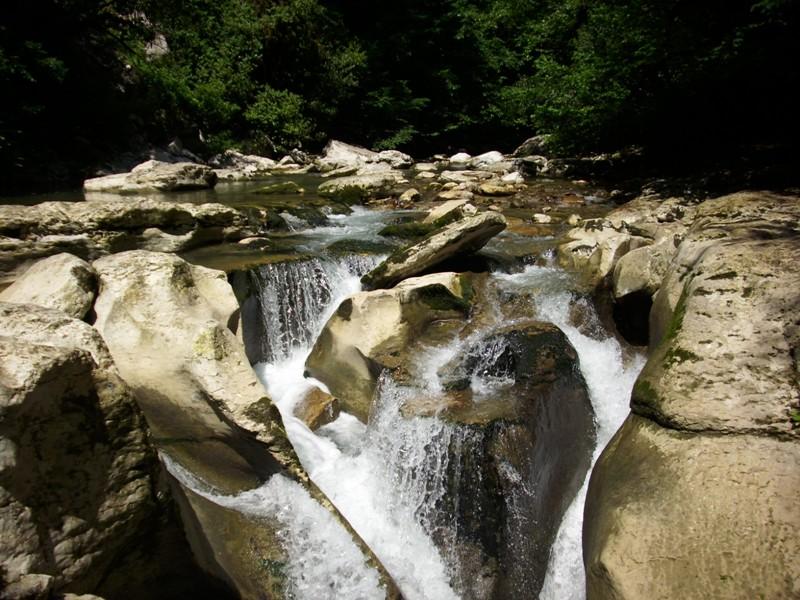 Каньоны и водопады Сочи