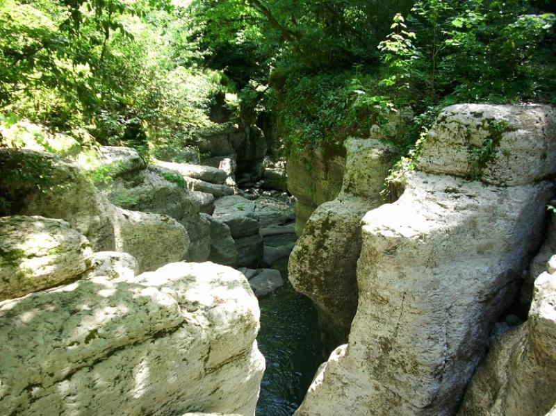Каньон реки Хоста, Белые скалы