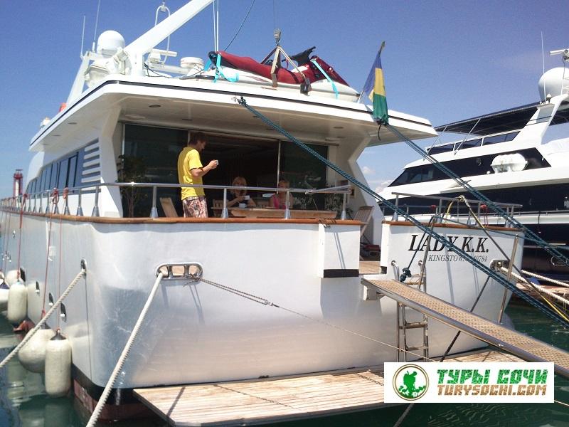 Моторные VIP Яхты Сочи