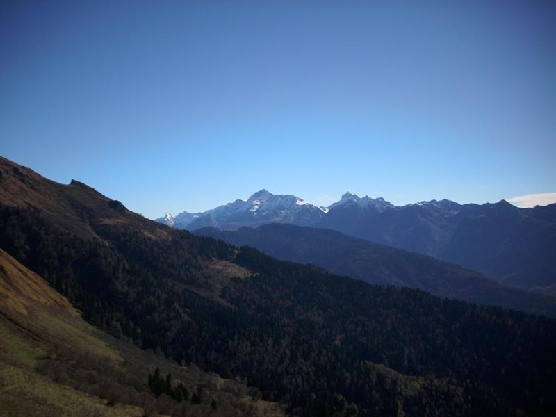 Вид на вершину Агепста